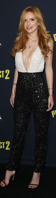 Bella Thorne in Naeem Khan Fall 2015 at 'Pitch Perfect 2' Premiere