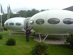 Architecture utopique - velvet galerie - mobilier design - Quasar Khanh - inflatable furniture-pop culture