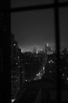 Photography black and white city lights Ideas Black Aesthetic Wallpaper, Night Aesthetic, Black And White Aesthetic, Aesthetic Colors, Aesthetic Backgrounds, Aesthetic Pictures, Aesthetic Wallpapers, Aesthetic Light, Black And White City