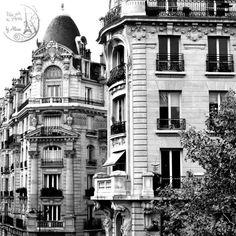 Building house of #paris, France
