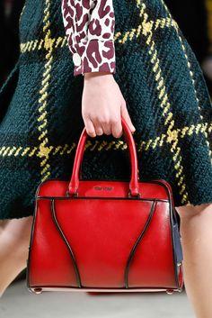 Miu Miu Fall 2015 Ready-to-Wear Collection - Vogue Miu Miu Handbags, Purses And Handbags, Prada, Miu Miu Tasche, Gucci, Mode Inspiration, Beautiful Bags, Fall 2015, Manolo Blahnik