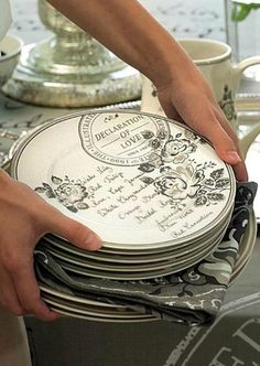 It's a Vintage Life-absoloute love! Perfect dishes for a vintage or shabby chic kitchen1