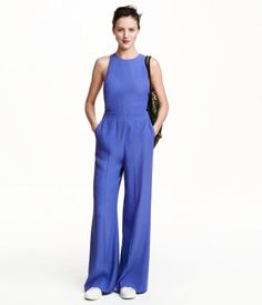 Sleeveless jumpsuit in slightly textured woven fabric. | H&M Trend