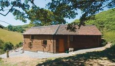 All Stretton Bunkhouse can offer you a rural location with immediate access to the Long Mynd, Shropshire. Come and cheer yourselves up. The Bunkhouse, Local Pubs, Underfloor Heating, Private Room, Still Standing, Days Out, Hostel, Campsite, The Fresh