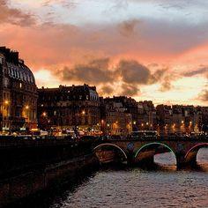 Pont St. Michel & Quai des Grands Augustins at Sunset, Paris