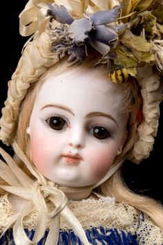 Outstanding antique french F.Gaultier bebe (close up)