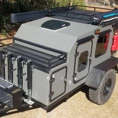 Jeep Camping Trailer, Small Camper Trailers, Off Road Camping, Truck Camping, Vintage Travel Trailers, Vintage Campers, Camping Tips, Vintage Airstream, Airstream Trailers