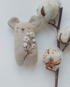 119 likes 7 comments Embroidery / DOLLS / Toys ( uff In . Sewing Toys, Sewing Crafts, Sewing Projects, Mouse Crafts, Doll Crafts, Softies, Embroidery Motifs, Fabric Toys, Waldorf Dolls