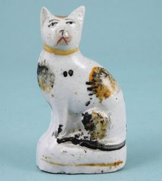Victorian Staffordshire model of a Cat. Ceramic Pottery, Pottery Art, Ceramic Art, Antique Stoneware, Earthenware, Staffordshire Dog, English Pottery, Object Drawing, Gatos Cats
