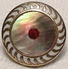 Prix de Boutons anciens de collection : Boutons en Nacre - Price of Shell Buttons
