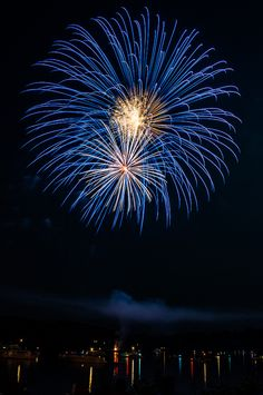 My first attempt at shooting a fireworks show. I think it turned out pretty well. Blue Fireworks, 4th Of July Fireworks, Fireworks Pictures, Fireworks Photography, Fire Works, Bonfire Night, Belle Villa, Of Wallpaper, Sparklers