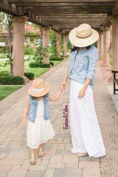 Like mother, like daughter. De tal madre, tal hija.