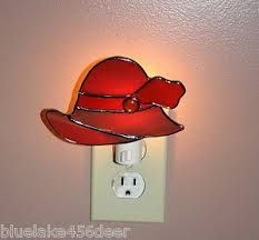 Red Hat Society night light - I need one of these! Stained Glass Night Lights, Stained Glass Lamps, Stained Glass Patterns, Leaded Glass, Mosaic Glass, Fused Glass, Stain Glass Cross, Red Hat Ladies, Glass Shoes