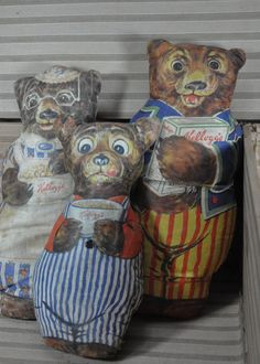 Antique 1928 Kellogg's Three Bears Advertising by JuxtStudios, Old Teddy Bears, 3 Bears, Vintage Teddy Bears, Vintage Toys, Antique Toys, Pull Wagon, Goldilocks And The Three Bears, Toys Shop, Fabric Dolls