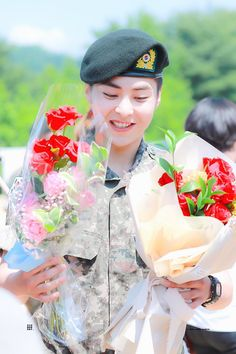 """""""Congratulations to Private Kim Minseok and Private Doh Kyungsoo on their promotion into Private First Class today! We missed you guys so much, can't wait for the day where we're all together again 💚 Kaisoo, Chanbaek, Exo Ot12, Baekhyun Chanyeol, Kim Minseok Exo, Luhan And Kris, Bts And Exo, Kpop Exo, Exo K"""