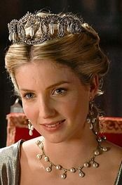 Pretty set with pearls (Queen Jane Seymour - The Tudors)