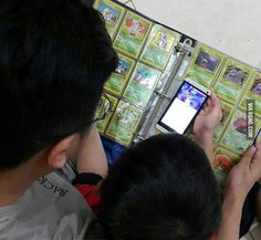 This Father teach his son to play Pokemon Go in epic way... - 9GAG