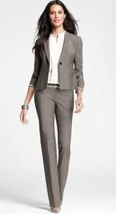 Office outfits · professional gifts · simple yet stylish via ann taylor business outfit frau, women's business suits, business dress Women's Summer Fashion, Work Fashion, Office Fashion, Fashion Looks, Fashion Ideas, Style Fashion, Fashion Rings, Business Dresses, Business Casual Outfits