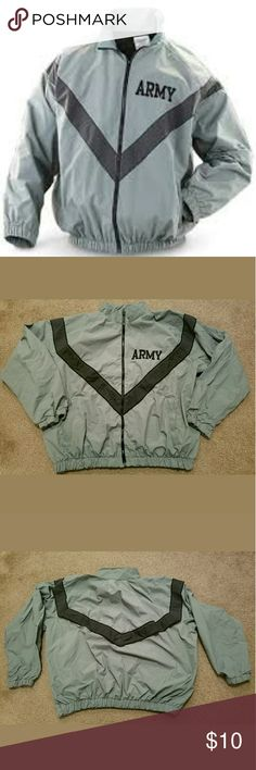 Army Issue PT IPFU Jacket Size Large Regular This is a really great pre-owned Army Issue PT IPFU Jacket Size Large Regular. It is in good pre-owned condition. There are signs of wear such as slight fading of the fabric. But otherwise good overall pre-owned condition.  Measurements are: Armpit to Armpit: 31.5 inches  Length: 26 inches Sleeve: 22 inches Jackets & Coats Military & Field