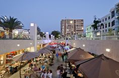Image 1 of 18 from gallery of Boulevard Ñuñoa Square  / PLAN Arquitectos. Photograph by Pablo Blanco