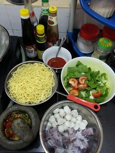 Junk Food Snacks, Food N, Food And Drink, Chinese Soup Recipes, Indian Food Recipes, Indonesian Food Traditional, Snack Recipes, Cooking Recipes, Easy Recipes
