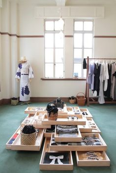 1 Le Foyer, Japan Store, Market Stands, Retail Experience, Retail Store Design, Concrete Wood, Lifestyle Store, Store Displays, Display Design