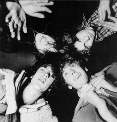 Listen to music from The Verve like Bitter Sweet Symphony, The Drugs Don't Work & more. Find the latest tracks, albums, and images from The Verve. Just For Gags, Irish Rock, The Verve, Boy Music, Video Artist, Britpop, Latest Music, Clip, Listening To Music