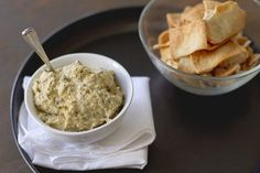 This thick Greek garlic sauce makes a marvelous dip to be served with vegetables as an accompaniment to fish or chicken. Avoid using a food processor or an electric mixer, which can make potatoes gluey. Low Carb Hummus, Healthy Nutrition, Healthy Eating, Appetizer Recipes, Snack Recipes, Fun Appetizers, Potato Recipes, Chickpeas Benefits, Gourmet