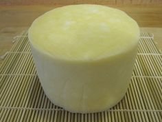 I am going to make cheddar soon. The last I made was yummy queso fresco Kinds Of Cheese, Milk And Cheese, Cheddar Cheese, Goat Cheese, How To Make Cheese, Food To Make, Making Cheese, No Dairy Recipes, Cooking Recipes