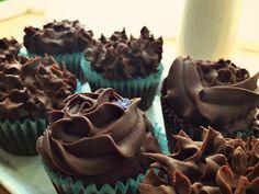 CHOCOLATE CUPCAKES WITH CHOCOLATE GANACHE FROSTING – My Culinary Saga