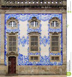 Pavement Design, Antique Tiles, Portugal Travel, Porto Portugal, House Tiles, Portuguese Tiles, Facade House, Tile Art, Beautiful Buildings