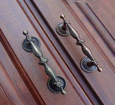 Brass Kitchen Cabinet Knobs Handle Pull Knob / Metal Door Dresser Drawer Pulls Handles Knobs / Antique Bronze Furniture Cupboard Hardware