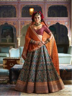 These lehenga shops in Chickpet Bangalore have some of the best bridal lehenga designs that are suited for all kinds of budgets.