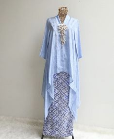 Kebaya Modern Hijab, Model Kebaya Modern, Kebaya Hijab, Kebaya Dress, Kebaya Muslim, Kaftan Batik, Batik Kebaya, Batik Dress, Batik Fashion
