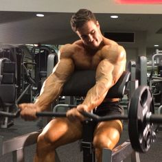 Preacher curls ⛪️ Download my fitness app for my workouts and diet tips: 📲Calum von Moger fitness #vonmogerfit #fitness #workouts #diets