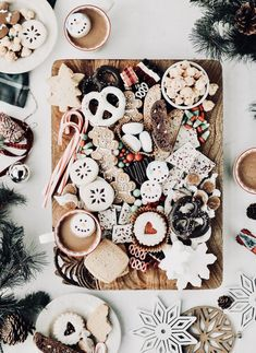 Channel your inner Willy Wonka with this holiday cookie and candy board . - Channel your inner Willy Wonka with this holiday cookie and candy board # Holiday cookies # - Christmas Mood, Noel Christmas, Merry Little Christmas, Christmas Treats, Holiday Treats, Christmas Decorations, Christmas Desserts, Holiday Parties, Family Christmas