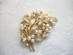 Vintage Brushed Goldtone Leafs White Faux by PhylmasFabulousFinds - $18.00 - Coupon Code: PIN15