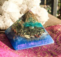 Serpentine Orgonite Pyramid ~ Meditation Altar Crystal Pyramid
