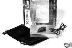 Toshibas Canvio Premium 3 TB bietet sehr viel Speicherplatz fürs Geld. Qualität und mobile Eigenschaften überzeugen zudem. Den ausführlichen Testbericht findet man bei Notebooks & Mobiles: http://notebooks-und-mobiles.de/toshiba-canvio-premium-3-tb-festplatte-im-test