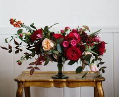 New wedding flowers red centerpieces floral arrangements ideas Valentine's Day Flower Arrangements, Wedding Arrangements, Table Arrangements, Modern Floral Arrangements, Design Floral, Deco Floral, Wedding Table Flowers, Floral Wedding, Trendy Wedding