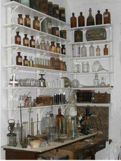 Laboratorio de Fórmulas Magistrales. Via: http://www.museodeartesbegijar.com