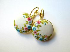 Handmade Polymer Clay White Earrings Flower by StoriesMadeByHands