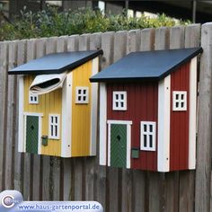 Getting letters is always wonderful - but a package full of Annie Yarn in autumnal colors in these mailboxes? Magical! ::: Holz-Briefkasten Schwedenstil gelb