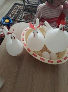 Easter Crafts for Kids which are surely gonna be a hit Farm Animal Crafts, Farm Crafts, Farm Animals Preschool, Preschool Crafts, Farm Activities, Infant Activities, Farm Unit, Farm Birthday, Farm Party
