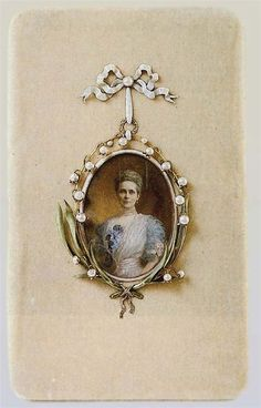 YUSUPOV JEWELRY ~~ Miniature with the portrait of Zinaida Yusupova, mother to Felix Yusupov, assassin of Grigoriy Rasputin. She was an icon of style at the beginning of the 20th century.  || by Vasiliy Zuev from The House of Faberge, 1907, silver, gold, diamonds, enamel, pearls. Saved in The Armory Fund, Moscow Kremlin, Russia