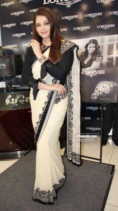 Aishwarya Rai Bachchan launches Longines boutique at Jubilee Hills, Hyderabad - Telugu cinema Indian Saris, Indian Dresses, Bollywood Style, Bollywood Actress, Kerala Saree, India India, Aishwarya Rai Bachchan, Indian Celebrities, Half Saree