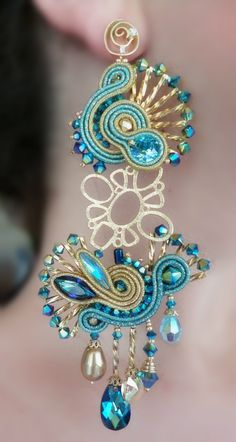 Soutache Earrings by Serena Di Mercione (inspired by A. Soutache Jewelry, Beaded Jewelry, Earrings Handmade, Handmade Jewelry, Soutache Tutorial, Passementerie, Jewelry Model, Fabric Jewelry, Bead Earrings