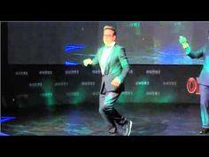 "Robert Downey Jr. performs Gangnam Style at ""Iron Man 3"" World Premiere in Korea"