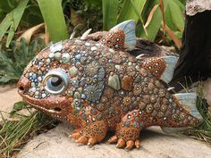 Criaturas de contos de fadas em porcelana                                                                                                                                                     Mais
