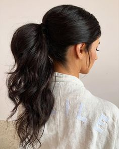 """Jody Callan Hair on Instagram: """"Mid ponytail 🤍 Middle part no face framing just little wispies for this textured wavy ponytail - yes hair extensions were added for a…"""" Wedding Ponytail Hairstyles, Ponytail Updo, Hair Ponytail Styles, Wedding Updo, Formal Hairstyles, Cute Hairstyles, Hair Styles, Hairstyle Ideas, Messy High Ponytails"""